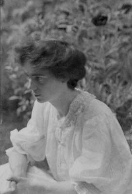 LH1365 Emily Irene Morphy Portrait