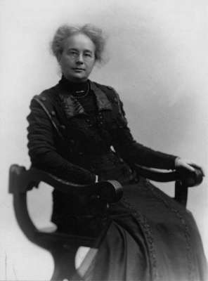 LH1388 Miriam Pellatt Morphy seated