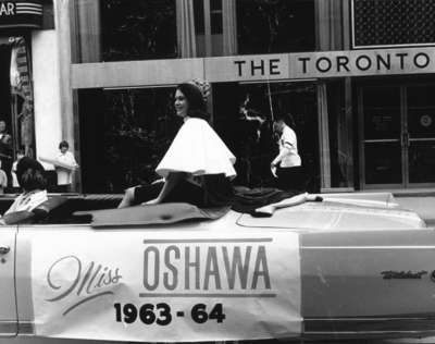 LH1951 Parade - Miss Oshawa - Float