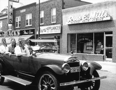 LH1956 Parade - Shriners - Classic Car