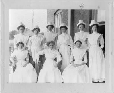 LH2401 Portrait of Nursing Class - Kett, Ethel