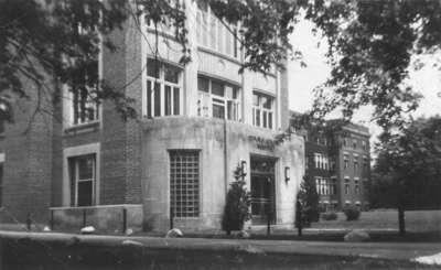 LH2190 Oshawa General Hospital - Front Entrance