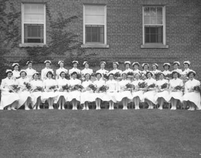 LH2396 Nursing School - Graduation Portrait
