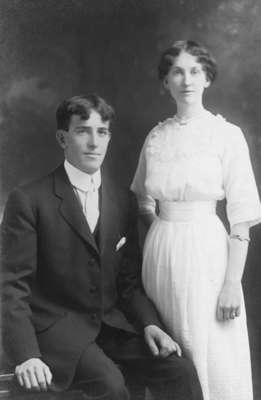 LH0590 Young Vinson Couple