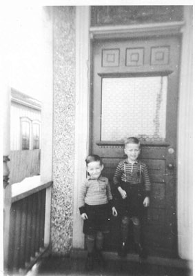 2 sons of Agnes (Gower) - London, Ont. - RP0489