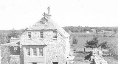 Buildings - #5 HWY 632 - Foote House 3 men on roof - RM0033