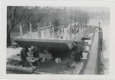 Building a ferry scow for Little Isthmus (probably in Ottawa)