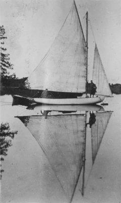 Sailing on Indian Lake