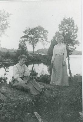 Women on Mill Point