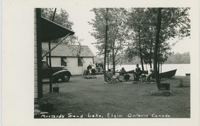 Mustard's Cottages on Sand Lake