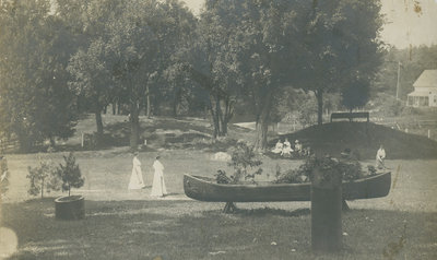 Guests playing croquet at Idylwild (later Opinicon Hotel) c. 1902