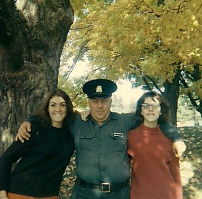 Hayward Warren lockmaster at Chaffey's with cousins Sue Warren and Cathy Crane in 1968