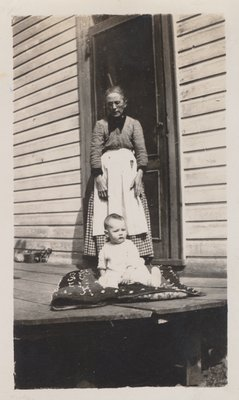 Ellen Rowswell Warren and granddaughter Lorraine Warren c.1929
