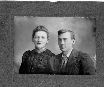 Carrie Alford Simmons (1876-1976) and brother Charles (1874-1949)