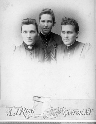 Daughters of Charles Tackaberry c.1885