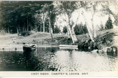 Cozy Nook Chaffey's Locks Ontario