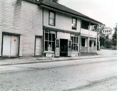 Frame store  in Morton c.1940