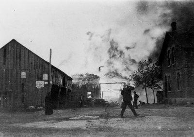 Lombard Mills ablaze June 1908