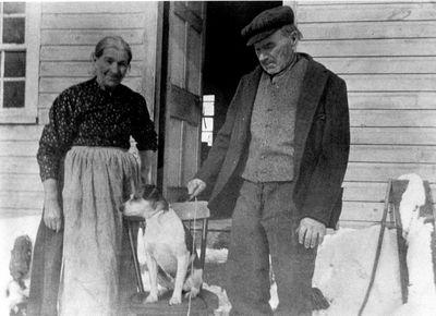 Margaret Petty and John MacDonald c1905