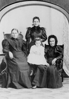 Tweedy and Looby families c.1895