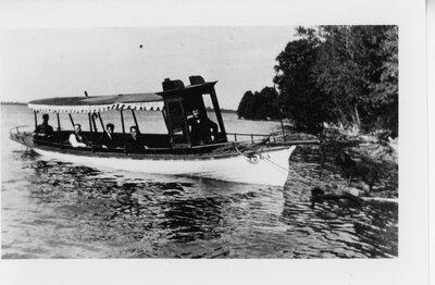 Iola (boat) in 1904