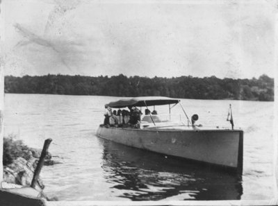 Steam launch on Indian Lake / Fettercairn