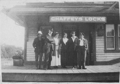 Group at Chaffeys Lock railway station