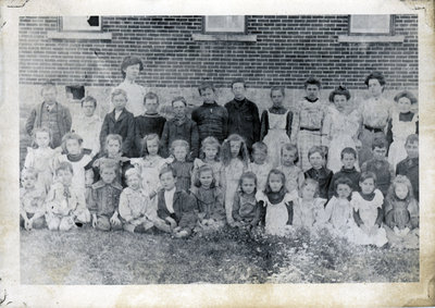 School group, Portland, Ontario