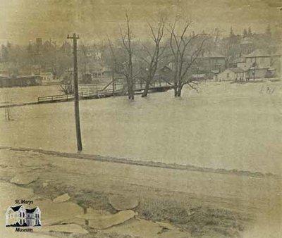 Flood of 1947, View of Park Street Bridge