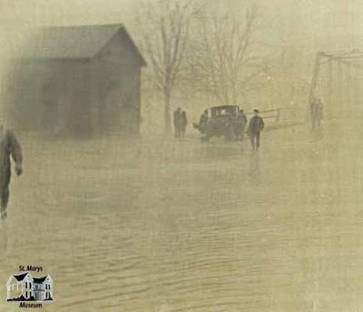 Flood of 1947, Water Street Looking North