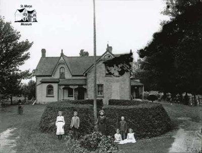 McCorquodale Family Portrait and Home, c. 1902-1906