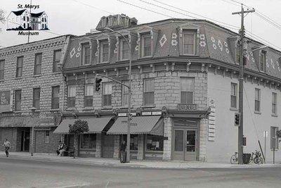 91 Queen St. E., 1980s