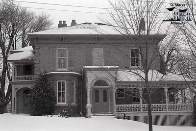 109 Wellington St. N., 1980s