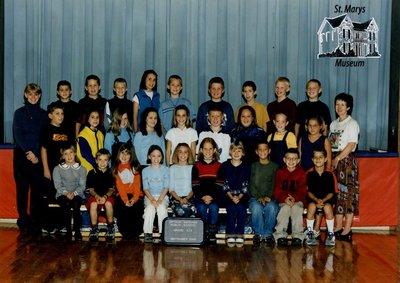 Arthur Meighen Public School Class Photo, Grade Four/Five