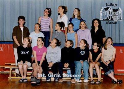 Arthur Meighen Public School Intermediate Girls Soccer, 2000-2001