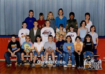 Arthur Meighen Public School Garden Club, 2000-2001
