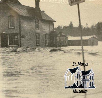 Flood Looking West on Jones Street