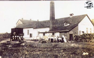 Avonbank Cheese Factory Workers
