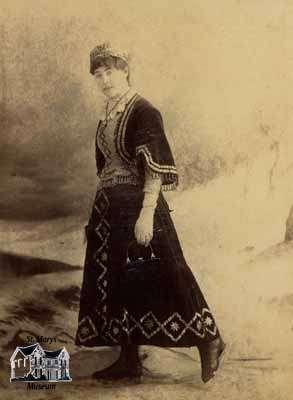 Beatrice Harstone, 1885