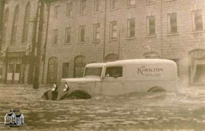 Corner of Water Street and Queen Street during 1937 flood