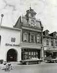 Royal Bank, Andrews Jeweller and Thames Restaurant, 1984