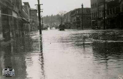Flood, 1947 - view of Queen Street looking west