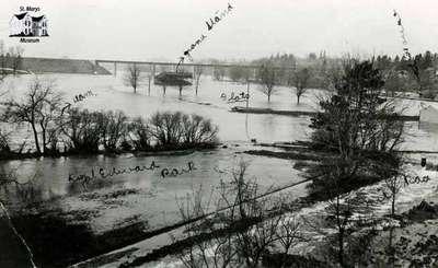 Flats during flood, 1912