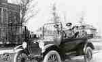 Pte. Riddell, Pte. Wilson, Pte. Walker and woman in car