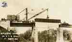 Replacing girders on London Bridge railway trestle, 1912