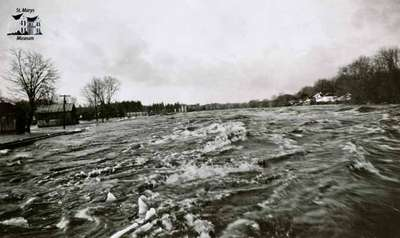 Thames River during flood, 1947