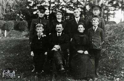 Near Family, 1915