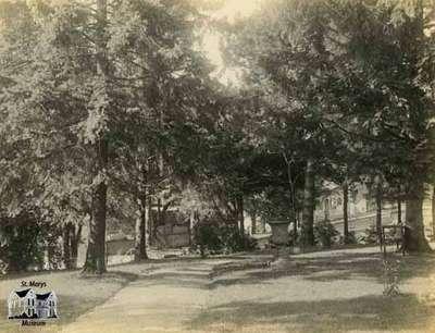 View of Athol Brae, Looking West