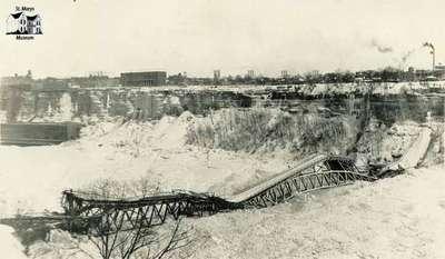 Fall of the Honeymoon Bridge