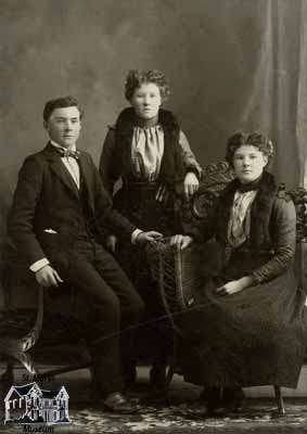 John, Tillie and Sulla McCutcheon